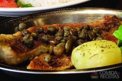 Receita de Tilápia grelhada com alcaparras em receitas de peixes, veja essa e outras receitas aqui!