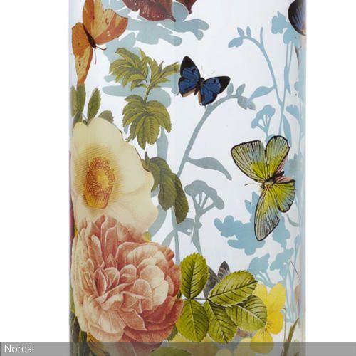 Mit Der Vase Von Nordal Ist Das Ganze Jahr über Frühling Zu Hause.