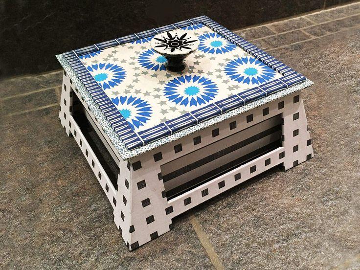 La boîte chinoise carrée de Josy M.G.