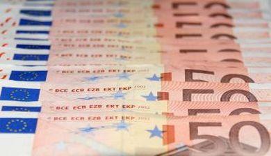 Vals of echt geld - FemNa40