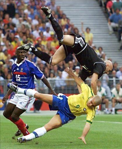 Lilian Thuram (France), Fabien Barthez (France), Ronaldo (Brazil)