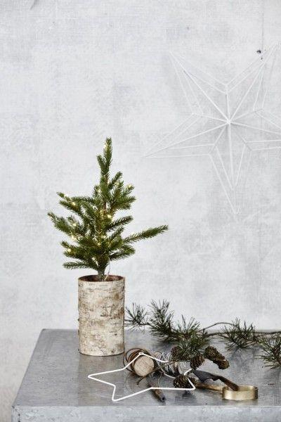 house doctor weihnachtsbaum mit l mpchen und holzfu weihnachtsdekoration pinterest house. Black Bedroom Furniture Sets. Home Design Ideas