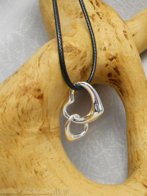 Pendant - metal alloy intertwined hearts /like silver/