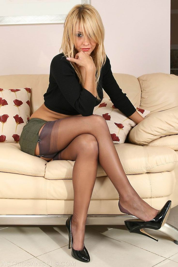 sexy milf in her stockings