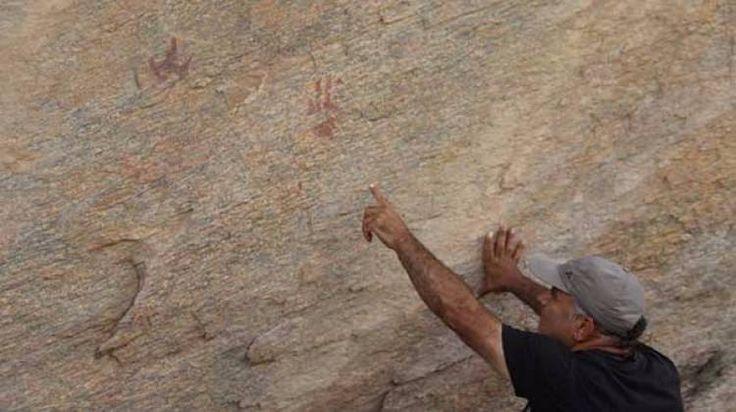 Aydın'da bulunan doğal ve kültürel zenginliklerle dolu Madran Dağı'nda el şablonları gibi tarih öncesinden kalma kaya resimleri bulundu.
