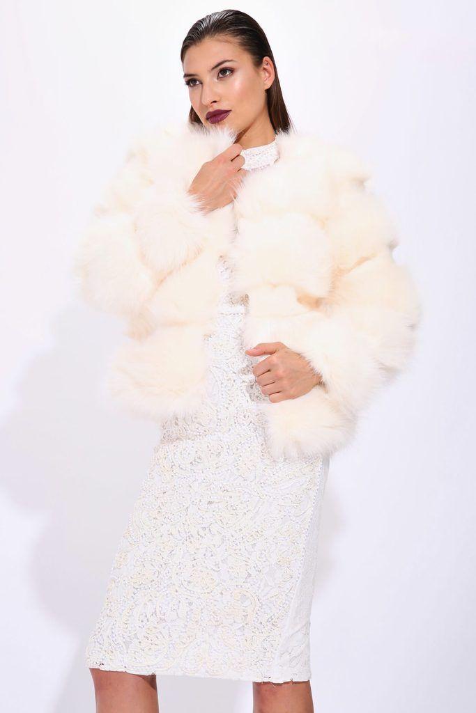 A17W-4300013353-CAM-XS-fluffy-fur-coat-cream-jl6345