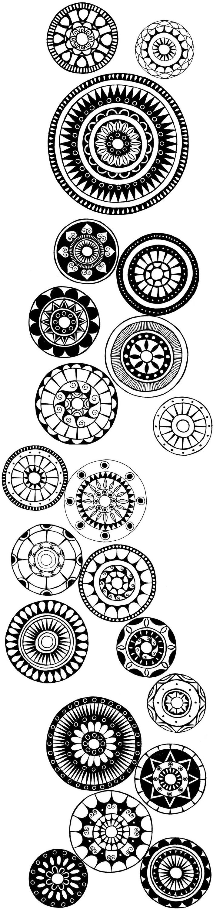 Mandalas Could you imagine these in polymer decorating a wall.... #henna #hena #mehendi #mehndi #indian #turkish #arabic #draw #drawing #hands # foot #feet #body #art #arte #artist #tattoo #bridal #wedding #love #beautiful #pic #picutre #photo #photography #foto #fotografia #detail #doodle #bw #black #white #bronze #red #color