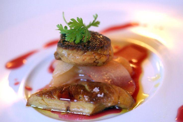 Foie gras, pere e riduzione di Campari e melograno