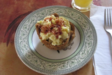 """Low Carb Breakfast """"cupcakes"""" - The gentleman at my IONS meeting raved about these.  He does a simpler version... Canadian Bacon in muffin tin, crack an egg into it, sprinkle cheese on top and bake."""