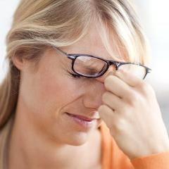 Un plus long sommeil et la caféine peuvent diminuer la sensibilité à la douleur