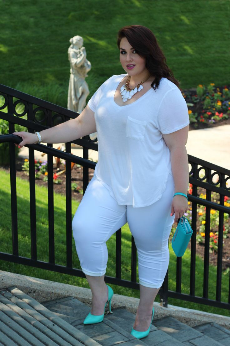 Plus Size Fashion  how amazing does she look in all white? Miss summer already!
