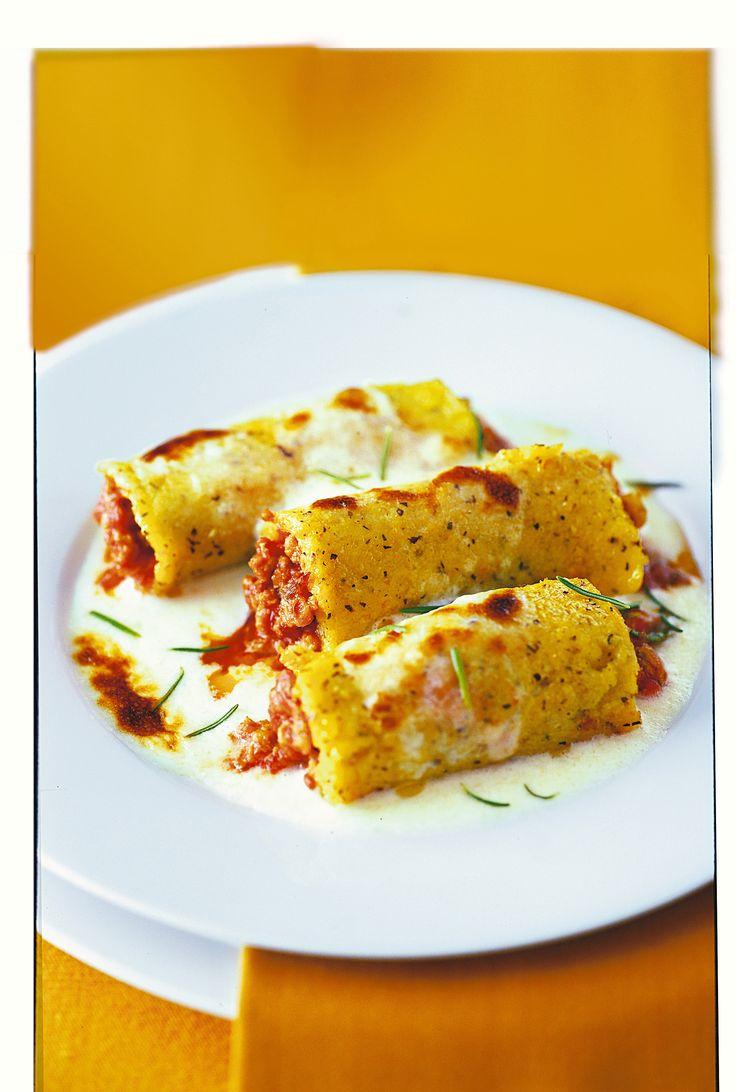 Scopri la ricetta per realizzare i cannelloni al ragù con polenta. Con Sale&Pepe puoi preparare piatti semplici in pochi istanti utilizzando ingredienti genuini.