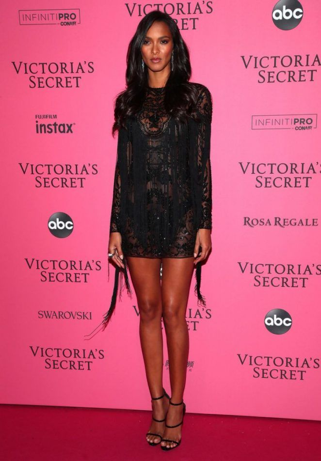 6c5f8c00f1 Lais Ribeiro  2018 Victorias Secret Fashion Show After Party -04 - GotCeleb