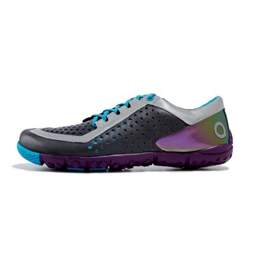 A minimalist running shoe from Skora Core, plus 6 more sneakers we love: http://www.womenshealthmag.com/style/running-sneakers