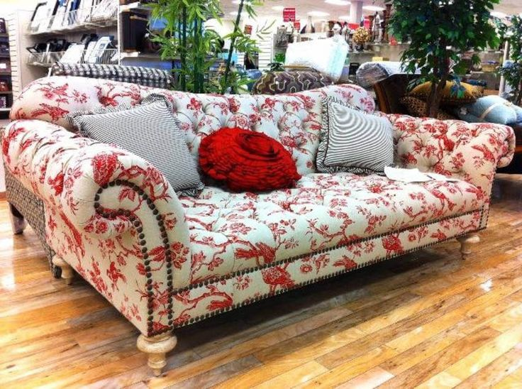 Best 25 floral couch ideas on pinterest wall murals uk - Floral country living room furniture ...