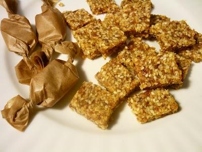 Bombonele din seminţe de susan şi caise (Sesame and apricot candy)