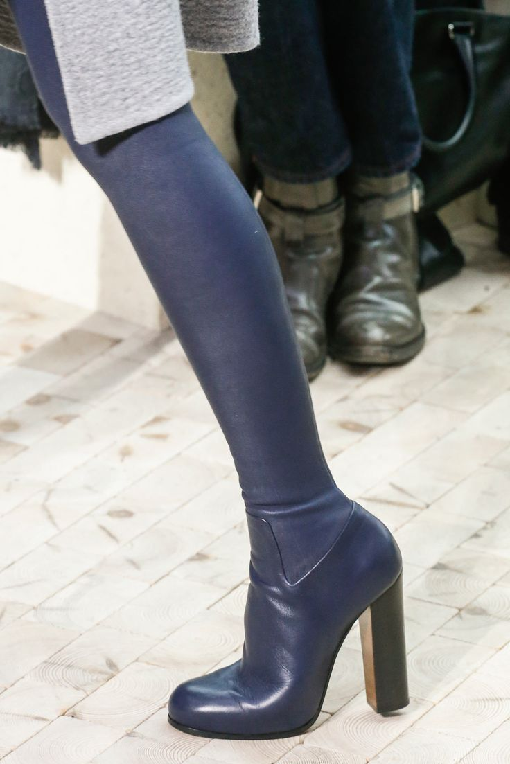 Second-Skin-Boots-in-Céline-Autumn-Winter-2013-2014-Collection-1.jpg (1366×2048)