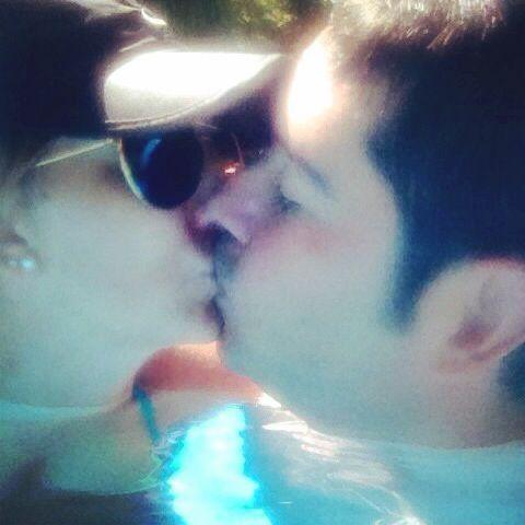 Nadando juntos por la vida. Feliz