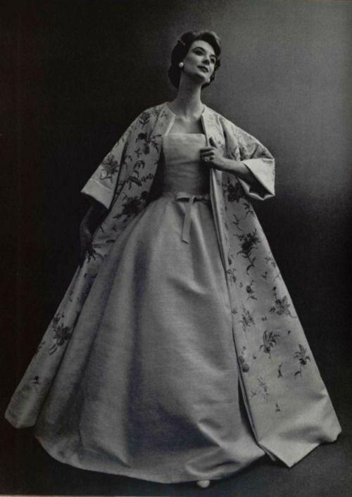 Christian Dior de 1956. VIVA O GLAMOUR DOS ANOS 50