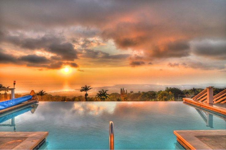 Kona View Estate - Vista Suite is a villa featuring free WiFi and a terrace located in Kailua-Kona, 8 km from Kaloko-Honokohau National Historic Park.