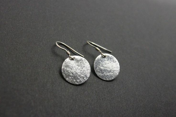 925 Silber Ohrringe mit gebürstetem Plättchen von Mayam-Berlin  auf DaWanda.com 19