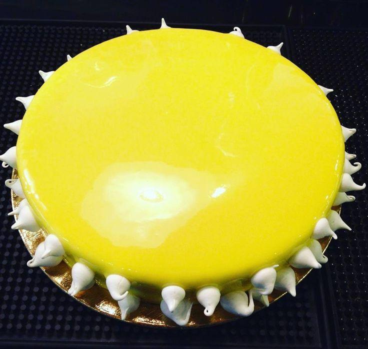 Τούρτα με κρέμα λεμονιού και mousse λευκής σοκολάτας- από τον pastry chef Αποστόλη Αντωνίου