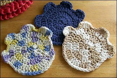 Free Crochet Pattern For Paw Print : Paw Print Coasters by Lois Karklus Crochet & Knitting ...