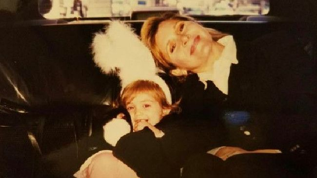 CARRIE Fisher's daughter Billie Lourd has paid tribute to her late mother with a heartfelt photo on Instagram.