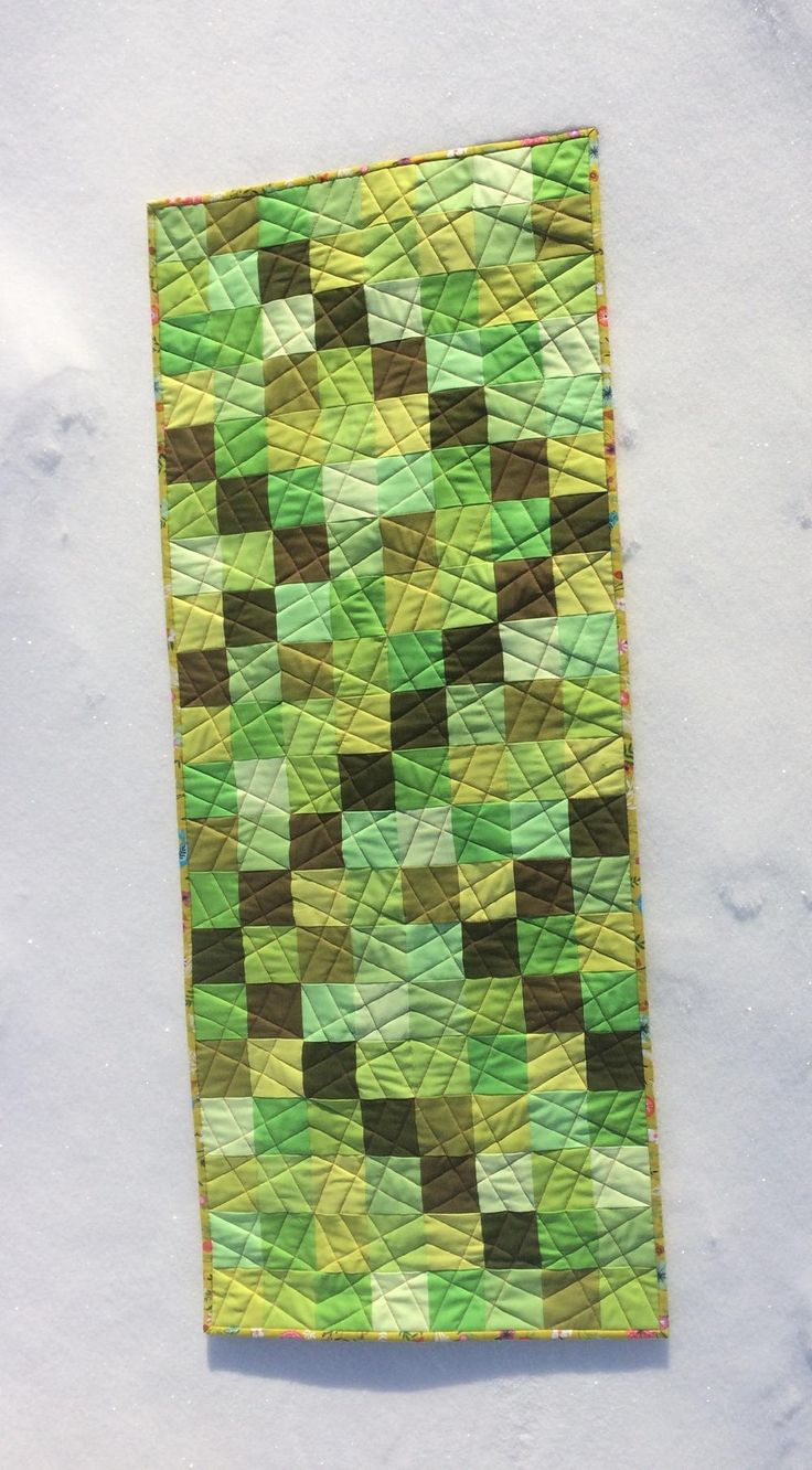 Green With Envy Table Runner   Your friends will go green with envy once they see this DIY table runner!