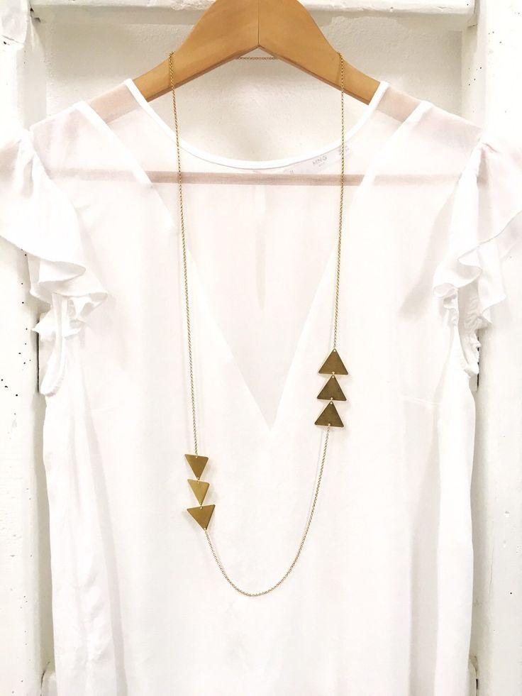 Un preferito personale dal mio negozio Etsy https://www.etsy.com/listing/290808573/long-triangle-necklace