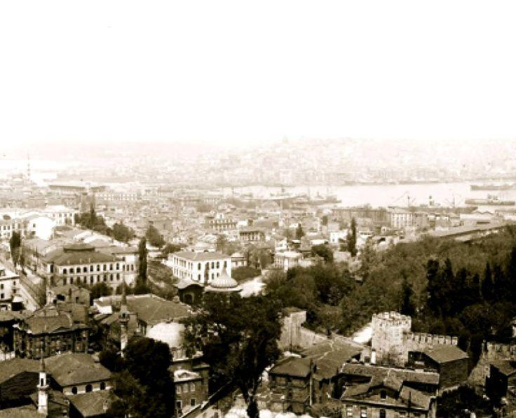 Ayasofya Minaresinden Gülhane ve Çevresi / 1930