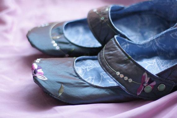 Round Toe Slate Blue Embroidered Slipper shoes by uku2 on Etsy.com