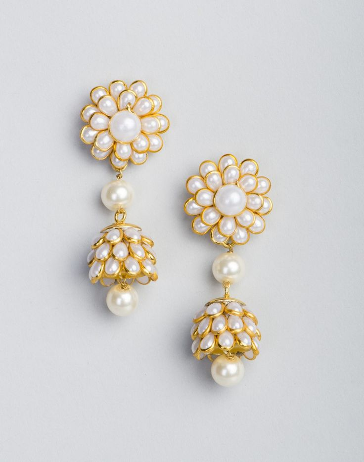 Metal Anusuya EM 337 Jhumka Earrings-White/Gold: Buy Fabindia Metal Anusuya EM 337 Jhumka Earrings-White/Gold Online. Worldwide free shipping* – Fabindia.com