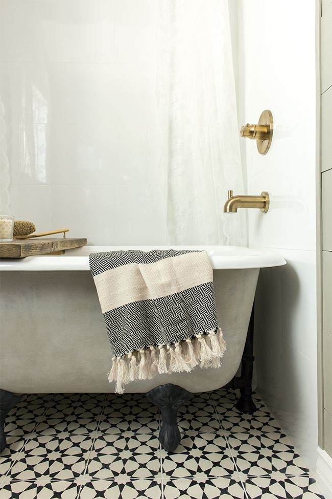 A New Tub Turned Vintage With Lime Amp Chalk Paint Jenna Sue Design Bathroom Clawfoot Tub