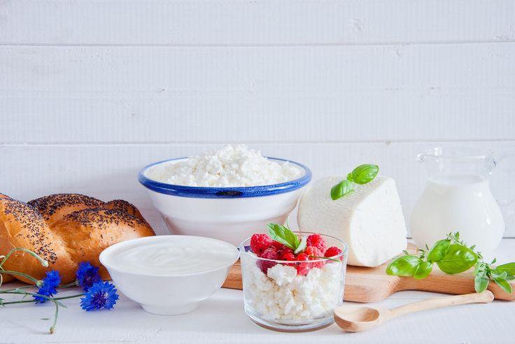 Faire son fromage ricotta maison, c'est simple et économique (ça ne demande que 2 ingrédients)!
