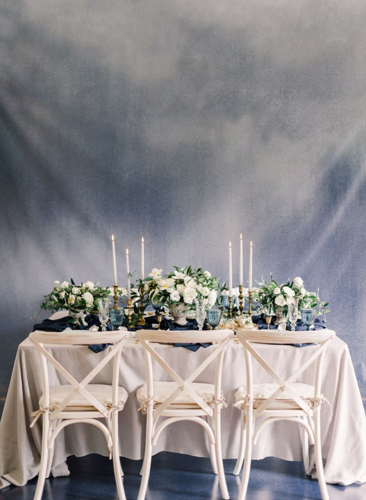 Modern Renaissance inspiration wedding at Harding Waterfront Estate with navy blue and gold theme | photo: ARTIESE
