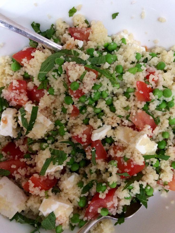Couscous in bouillon met doperwten tomaat geitenkaas munt