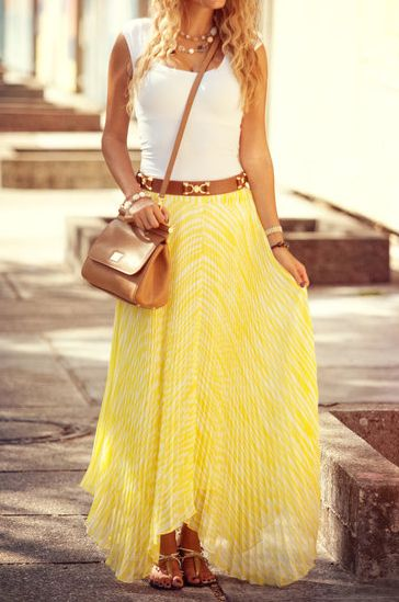 Love the whole outfit (:Summer Fashion, Summer Outfit, Summer Style, Long Skirts, Yellow Skirts, Summer Skirts, Yellow Maxis, Maxi Skirts, Maxis Skirts