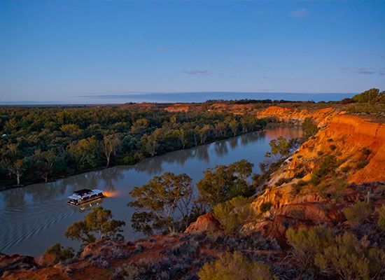 Experience #Australia's longest river, the #Mighty #Murray