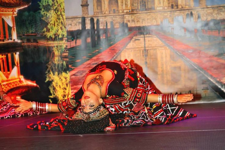 Authentic folklor dances of Nord India - Sapera Kalbeliya
