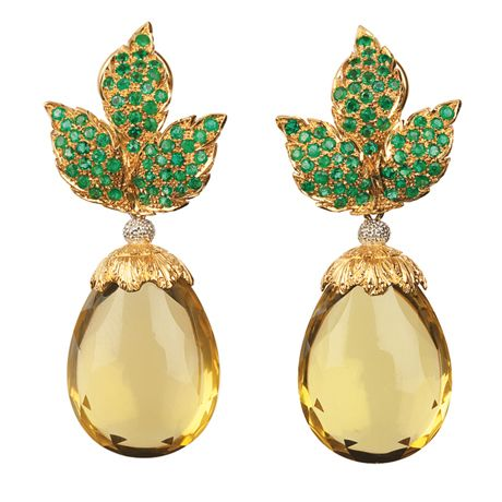 Buccellati one-of-a-kind pendant earrings with 1.66 cts. t.w. emeralds and 54.60 cts. t.w. citrines in 18k yellow gold; price on request #Buccellati #emerald #citrine #yellowgold