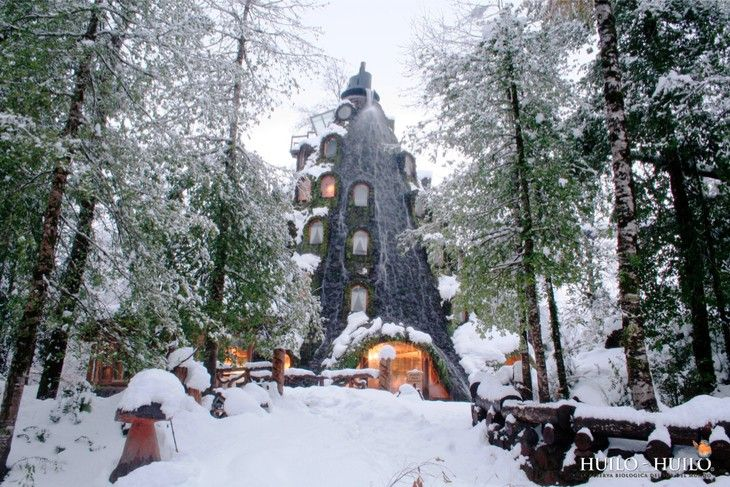 Montana Magica Lodge in the snow