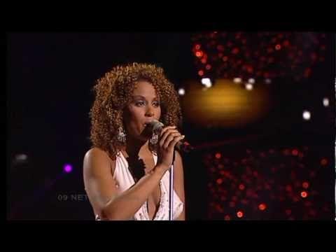 ESC 2005 - Netherlands - Glennis Grace - My impossible dream [HQ] - YouTube
