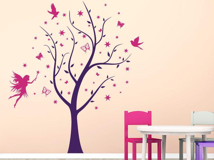 Mit dem Wandtattoo Verzauberter Baum mit Elfe, Schmetterlingen, Sternen und Vögeln kannst Du Deine Wand im Kinderzimmer kreativ gestalten.