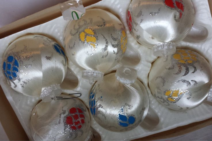 Vintage Christmas baubles, Christmas tree decorations, shatterproof ornaments. Christmas bauble set, boxed, Christmas home gift, collectable - pinned by pin4etsy.com
