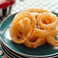 Tempura Onion Rings|  http://www.rachaelraymag.com/Recipes/rachael-ray-magazine-recipe-search/appetizer-starter-recipes/tempura-onion-rings#