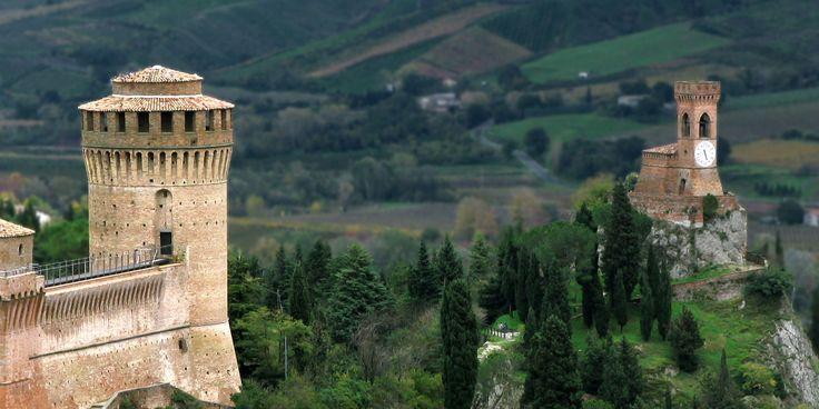 Vieni a scoprire il borgo medioevale di Brisighella, perla del Parco Regionale della Vena dal Gesso. Contatti: +39 0546 81166 -iat.brisighella@racine.ra.it