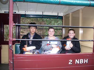 Hot dogs, The Puffing Billy Carriage and 3 excited kids: Day 2 of our Host Family Excursions saw us all up high in the Dandenong Ranges.  Here we boarded the Puffing Billy Locomotive at Emerald Lake railway station