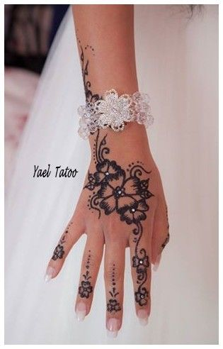 tatouage paillette noire par yael le henn version lgance facebook ayael henn - Tatouage Paillette Mariage
