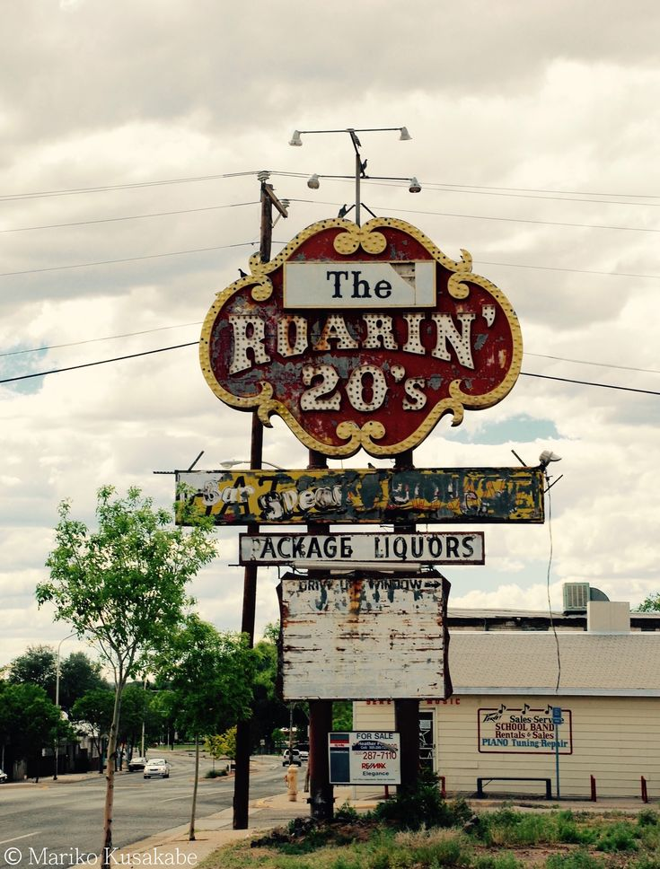 """Roarin' 20's "" in Grants New Mexico  "" Route 66 on My Mind "" Route 66 blog ; http://2441.blog54.fc2.com/ https://www.facebook.com/groups/529713950495809/ http://route66jp.info/ google +; https://plus.google.com/u/0/communiti…/102431227715057286352"